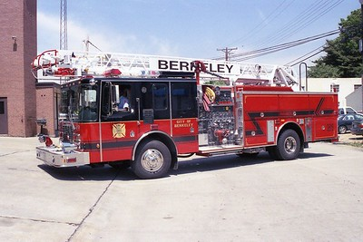 Berkeley MO - Ladder 3615 - 1999 HME 1871-Smeal 2000-500 55' Rmt #898090