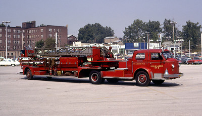ST LOUIS FD  HOOK & LADDER 3  ALFCO 800   100' TDA   OFFICERS SIDE    1977 IFBA CONVENTION