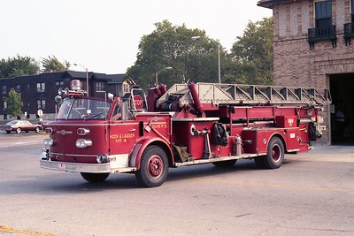 ST LOUIS  H & L 4   ALFCO  100' MIDSHIP  OPEN CAB