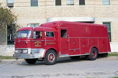 ST LOUIS FD  SQUAD 2  1966  MACK C95 - MARION