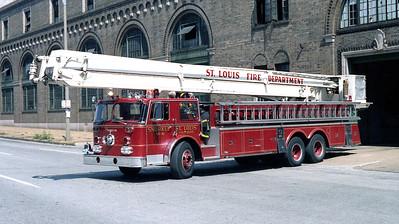 ST LOUIS FD  SNORKEL 6  1972  SEAGRABE   85' SNKL
