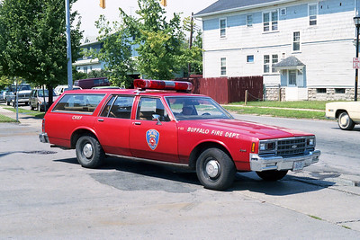 BUFFALO FD  BATTALION 122  CHEVY WAGON