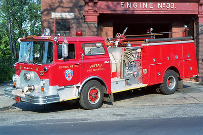 BUFFALO FD  ENGINE 33  1981  MACK CF   1250-500