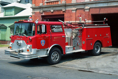 BUFFALO FD  ENGINE 2  1981  MACK CF   1250-500