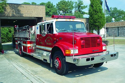 Georgetown SC - Engine 8 - 1996 IHC-E One 1250-1000