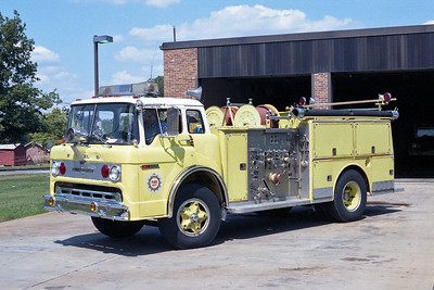 NASHVILLE FD  ENGINE 30  1973  FORD C - AMERICAN LAFRANCE   1000-500