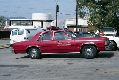 NASHVILLE FD  CAR  FORD LTD   SAFETY OFFICER