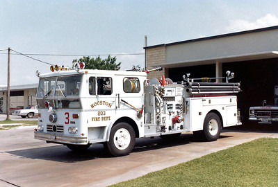 HOUSTON  ENGINE 203  WLF  P-80