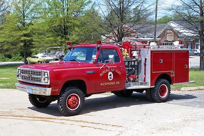 RICHMOND BUREAU OF FIRE  ATTACK 25  1982  DODGE POWER WAGON 400 - PIERCE   400-250