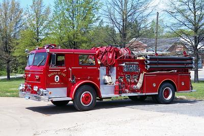 RICHMOND BUREAU OF FIRE  ENGINE 25  1970  MAXIM F   1000-500