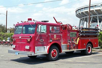 RICHMOND BUREAU OF FIRE  ENGINE 16  1973  MAXIM F   1000-500