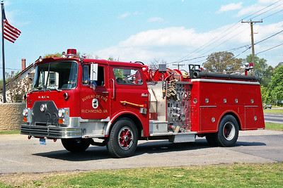 RICHMOND BUREAU OF FIRE  ENGINE 22  1982  MACK CF   1250-500