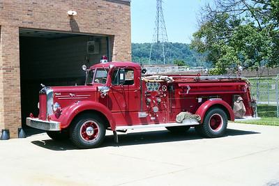 WHEELING FD WV  ENGINE 5  1952  MACK L95   750-300