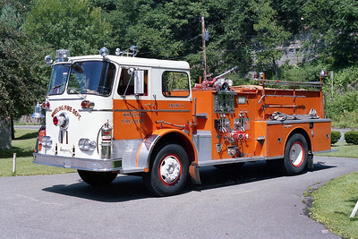 WHEELING FD WV  ENGINE 11  1965  SEAGRAVE   1000-500