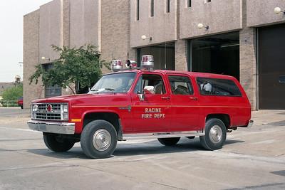 RACINE FD  CAR 41  1986  CHEVY SUBURBAN