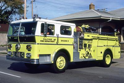 RACINE FD  ENGINE 5  1976  WLF AMBASSADOR   1000-500   LIME GREEN