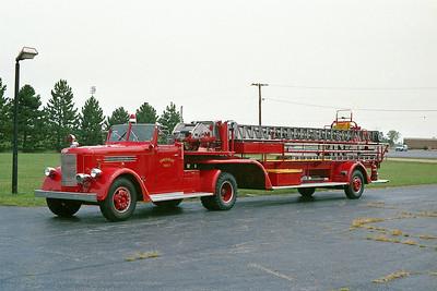 TOWN OF BELOIT FD WI  TRUCK 27  1949  PIRSCH  75' TDA   X- BELOIT FD