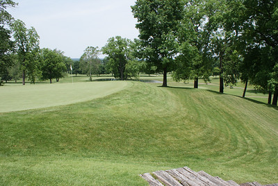 Just like most holes at Springfield CC, don't go long!!! The view behind the par 4 8th at Springfield CC.