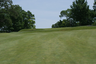 Uphill approach to the par 4 8th at Springfield CC.