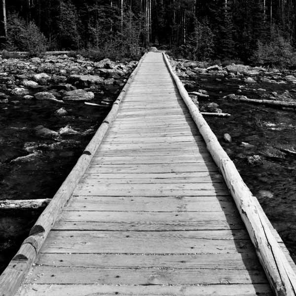 Footbridge across String Lake