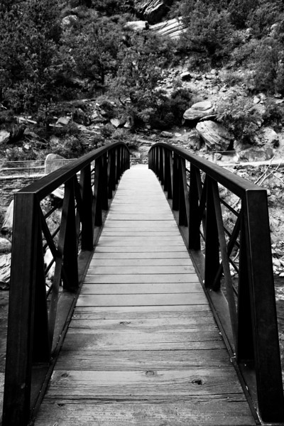 Bridge by the start of the trail to the Emerald Pools