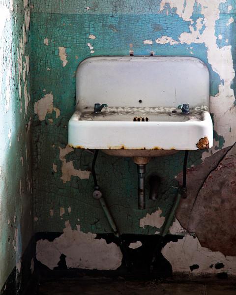 Sink in the hospital ward