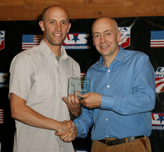 Jeff Archibald accepts the Snowboard International Coach of the Year Award at the 2007 USSA Chairman's Awards Dinner May 18, 2007, Deer Valley Resort, Park City, Utah Photo: Scott Sine