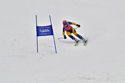 Dec 30-31 Mt Ripley J123 (W) GS 2nd race 1st run