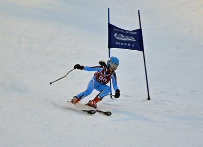 Dec 30-31 Mt Ripley J123 (W) GS 1st race 1st run