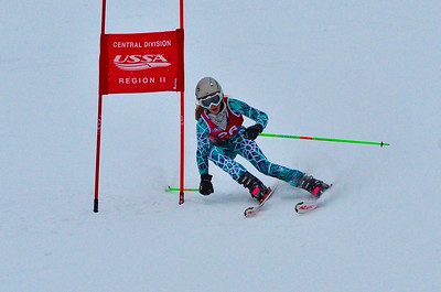 Dec 30 U14 & under Girls  GS 1st run-1025