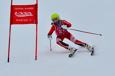 Dec 30 U14 & under Girls  GS 1st run-1000