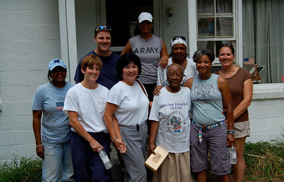 2008 07-19 Atlanta, GA - Mrs. Bailey (3rd from right) poses with Atlanta Board of Realtors group helping with her house renovation.