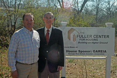 08 03-01 Mark Galey & Millard Fuller in Forest Park to break ground for House #1
