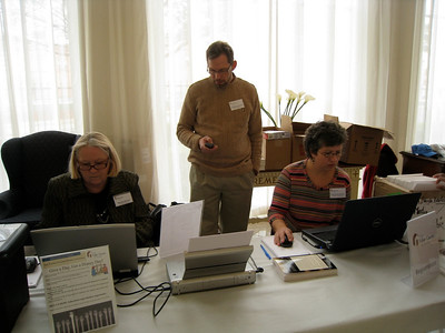 10 01-15  Brenda Barton, Kirk and Cori Lyman-Barner.  Kelli Yoder