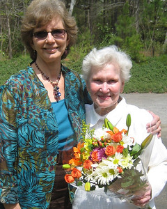 2011 04-01  Linda Fuller visits with Elsie Johnson at her beautiful home in Lanett.   bs