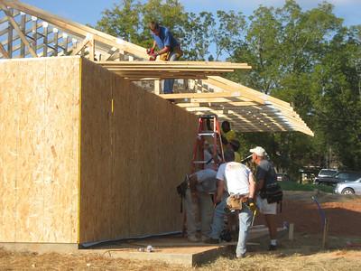 2008 10-10 Lanett, AL - Setting up trusses. bs