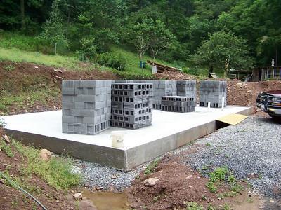 08 07-30 Konnarock, VA - Block walls are ready to rise. Bill Baldwin