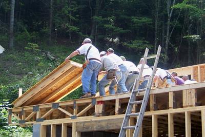 08 08-30 Konnarock, VA - Raising the walls. wb