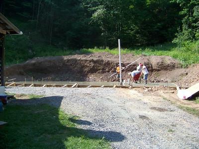 08 06-09 Konnarock, VA - Jonas Cement Contractor pouring monolithic slab. Bill Baldwin