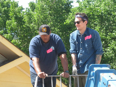 Veteran homeowner partner Cliff Malone works with Grammy-winning musician John Mayer (right).