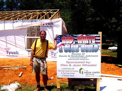 08 07-16 Webster Parish,LA - Joel Fortgang, house leader for Red, White & Blue Build. bb