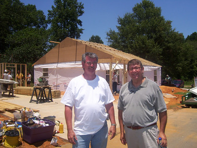 08 07-16 Webster Parish,LA - Dale Thomas (left), Vista worker for Webster Parish, standing with Glen Barton. bb