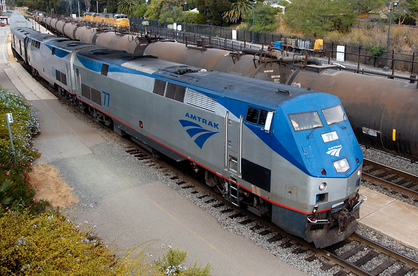 San Luis Obispo, California, Sat 30 September 2006 16 - 1709.  Amtrak 77 & 120 depart for Los Angeles with the Coast Starlight.