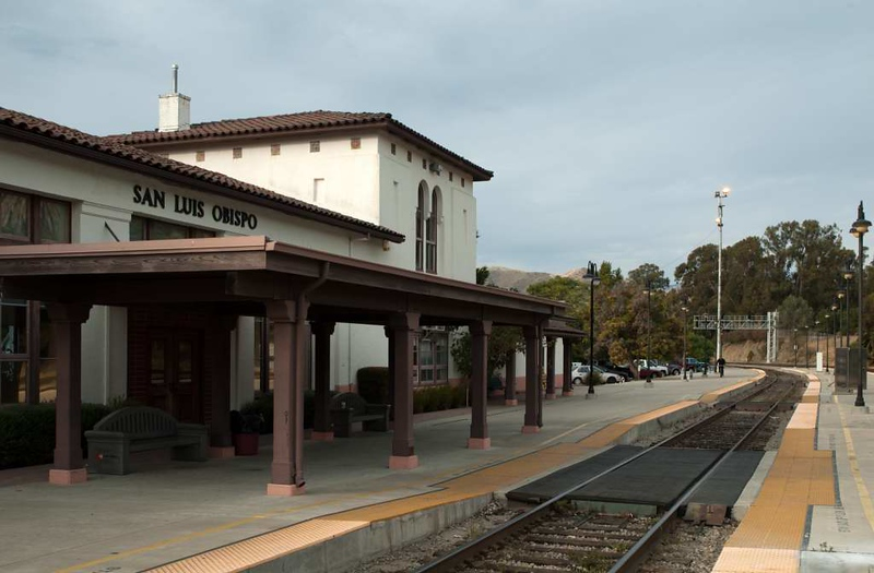 San Luis Obispo, California, Sat 30 September 2006 25.  And finally, a view of the station building, built by Southern Pacific in 1942.