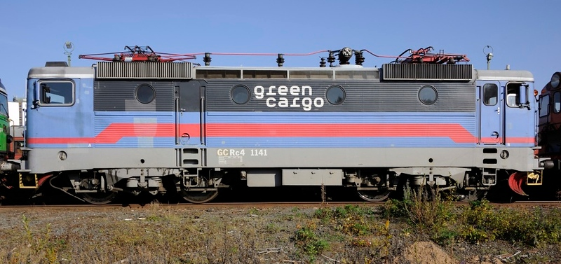 Green Cargo Rc4 1141, Nassjo, Sweden, Sat 6 September 2014 - 1611.  One of 130 class Rc4 3600kW Bo-Bo electrics built by Asea 1975 - 1982.