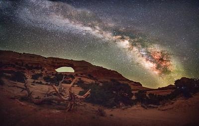 Made from 9 light frames by Starry Landscape Stacker 1.8.0.  Algorithm: Min Horizon Noise
