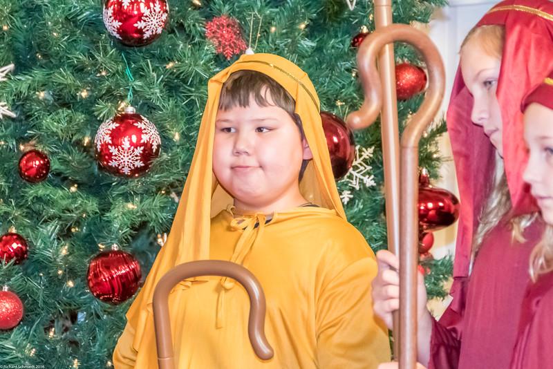 UU Childrens Christmas Pagent 2016-159
