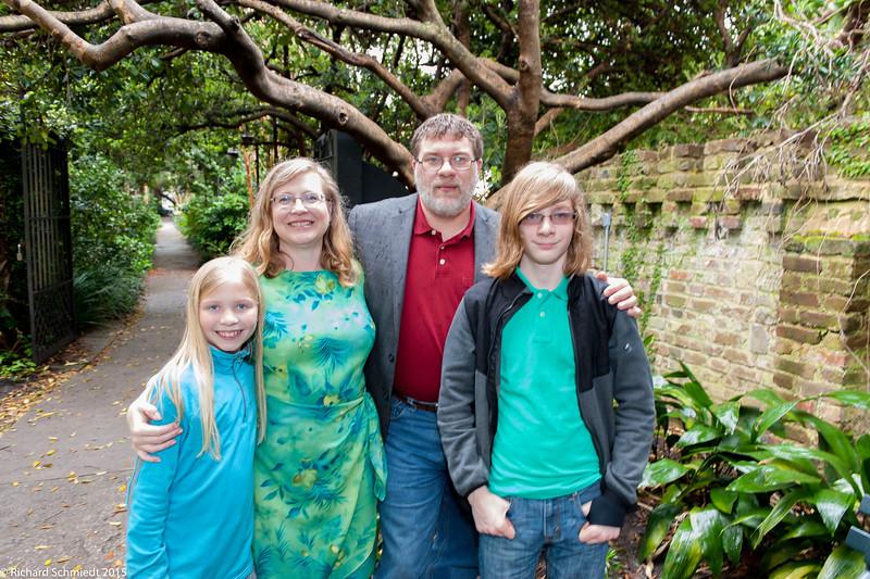 UU Easter Family Portraits-117