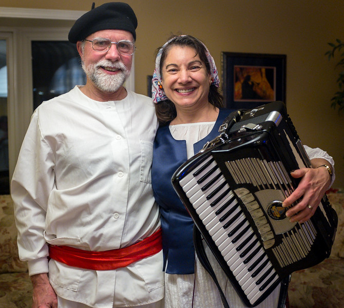 Brad Bolton and Christie Anderson performed at Lois Weir's Basque auction dinner.