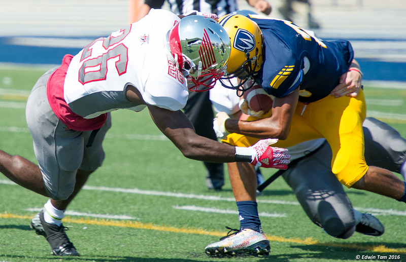 UWindsor Lancers vs Guelph Gryphons in the Football Labour Day Classic, September 5, 2016, at Alumni Field, University of Windsor.  Copyright Edwin Tam 2016.